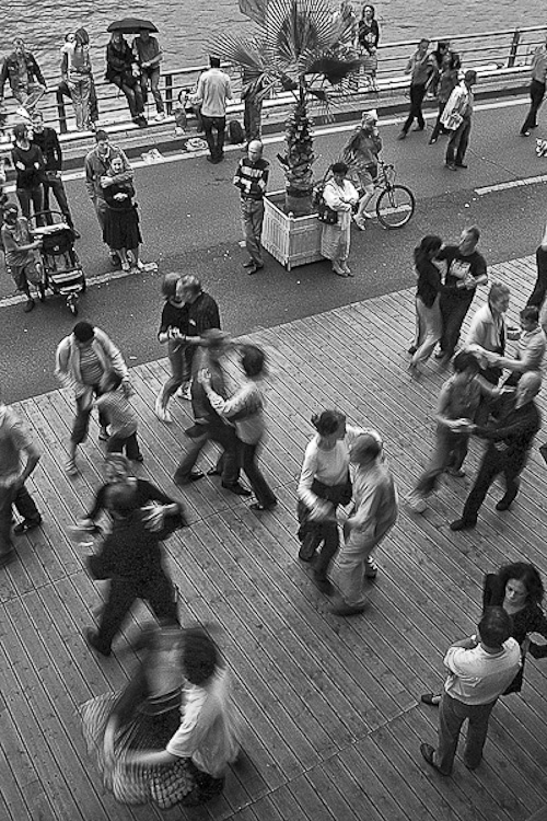 Paris Plage Dancing in the Streets