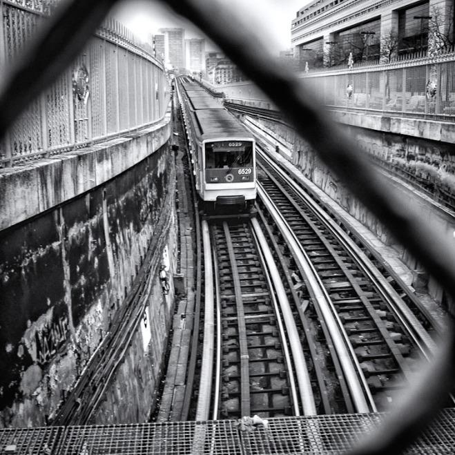 6529  Metro Paris Doll on Edge